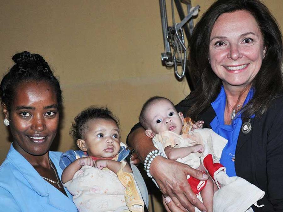 9-Besuch im Waisenhaus der Gesundheitsstation.